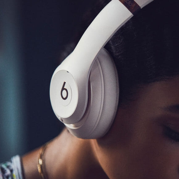 Beats「Studio3 Wireless」のノイズキャンセル機能は最高のリスニング環境を提供してくれます。