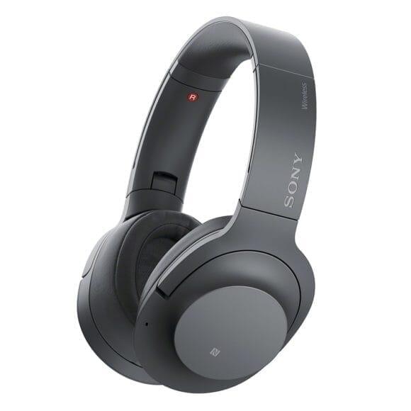 SONY「h.ear on 2 Wireless NC WH-H900N」はSONYのラインナップで上位機種に位置付けられるハイスペックなノイキャン対応ヘッドホンです。
