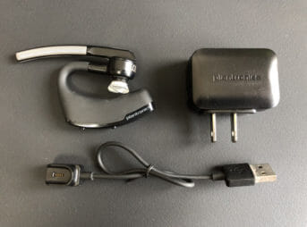 Plantronics「Voyager Legend」の付属品。
