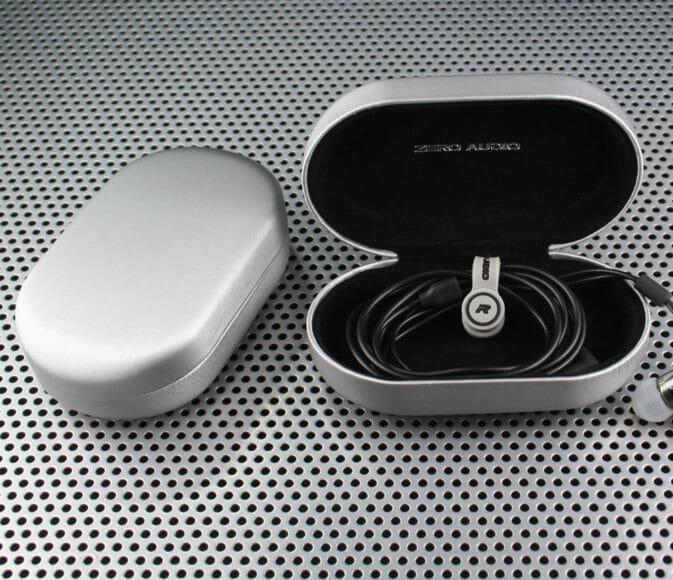 Bluetoothイヤホンの収納ケースにおすすめのZERO AUDIO「BANECHO」