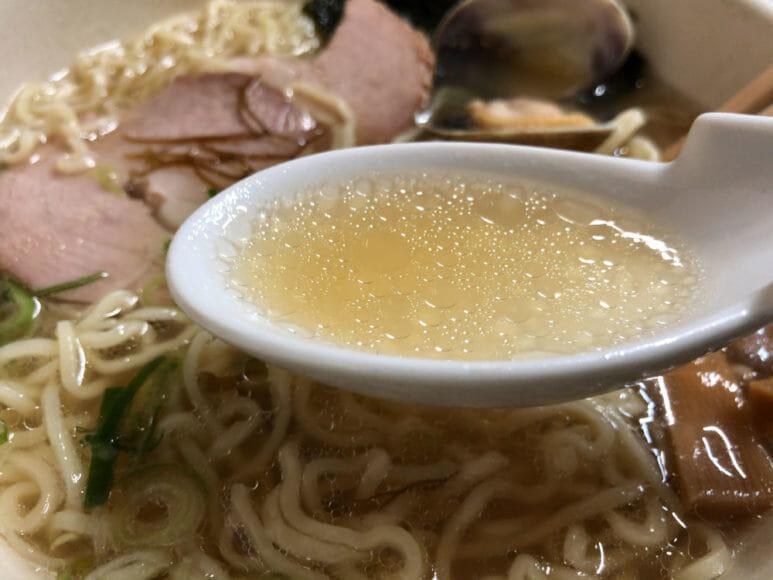 釧路のおいしいラーメン屋さん「魚一」|魚醤ラーメンのスープは病みつき感満点の旨味が持ち味。