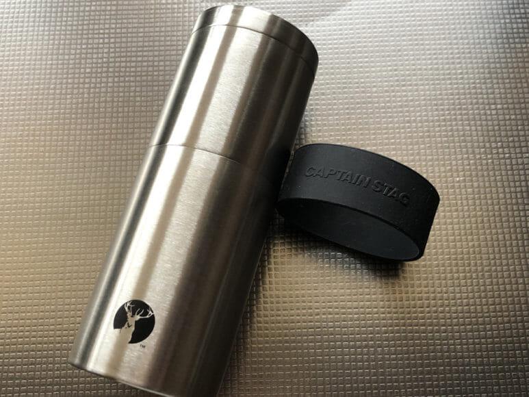 おすすめ手動コーヒーミル:キャプテンスタッグ|キャプテンスタッグのコーヒーミル付属の滑り止めグリップは着脱可能です。