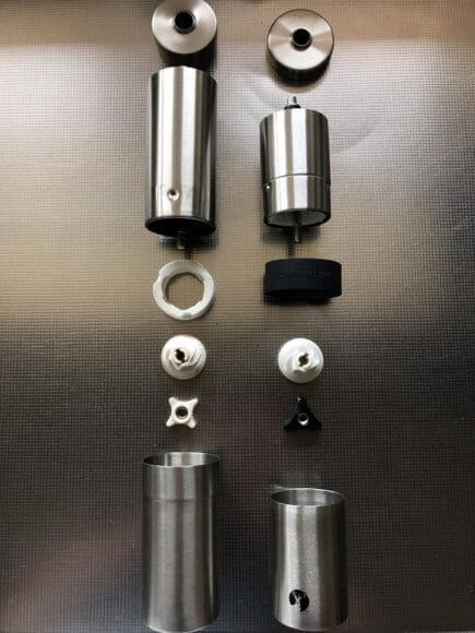 おすすめ手動コーヒーミル:キャプテンスタッグ|キャプテンスタッグ・ポーレックスのコーヒーミルを分解した写真。