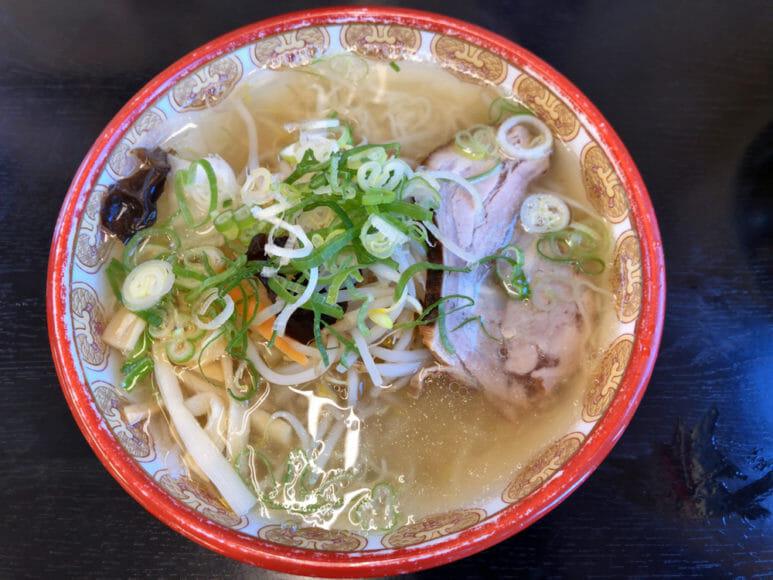 釧路のおいしいラーメン屋さん「夏堀」|醤油に隠れて人気の塩味野菜ラーメン。