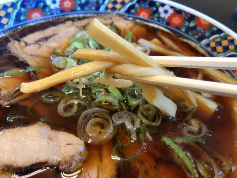 釧路のおいしいラーメン屋さん「夏堀」|メンマのシャキシャキ・しんなり感は絶妙な食感です。