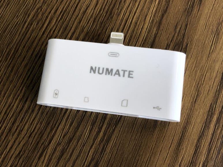 iPhone用おすすめSDカードリーダー&使い方まとめ|NUMATE「Lightning 4in1 SDカードリーダー」の外観