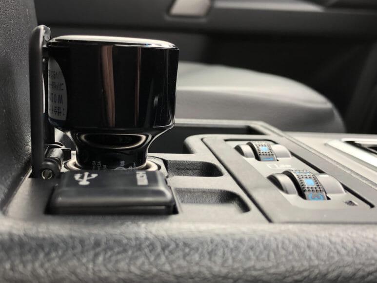 Anker「PowerDrive Speed+2-1 PD & 1 PowerIQ 2.0」レビュー|シガーソケットに差し込んだときは3cmほど出っ張る感じです。