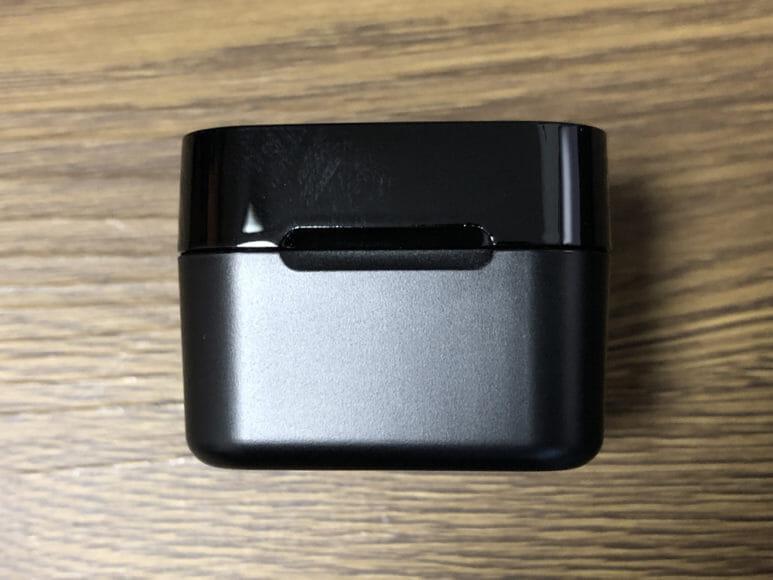 おすすめ完全ワイヤレスイヤホンGLIDiC「Sound Air TW-5000s」レビュー|デザインもイヤホン同様に素材の2トーン採用で上質感を演出。イイ感じです。