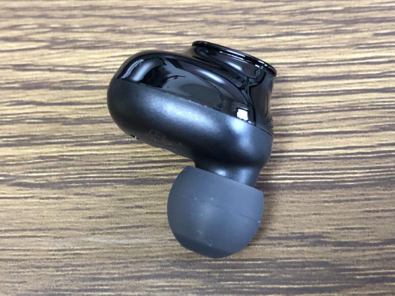おすすめ完全ワイヤレスイヤホンGLIDiC「Sound Air TW-5000s」レビュー|本体の材質はマット&グロスの2種類を使用。