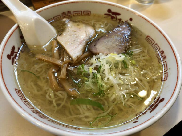 釧路のおいしいラーメン屋さん「河むら」|昔風ラーメン(塩)