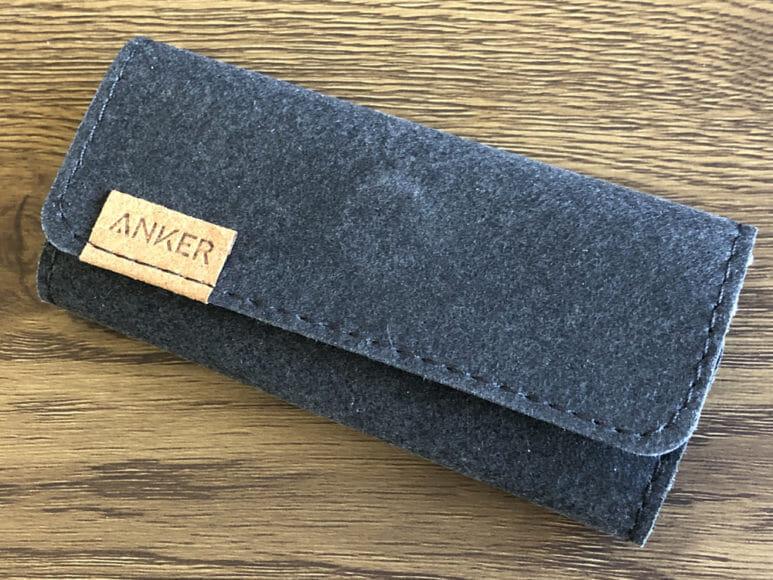 Anker PowerPort Atom PD1レビュー|Anker「PowerLine+ USB-C & USB-C 2.0 ケーブル」付属のケーブル専用ポーチが収納に便利で持ち運びに重宝します。