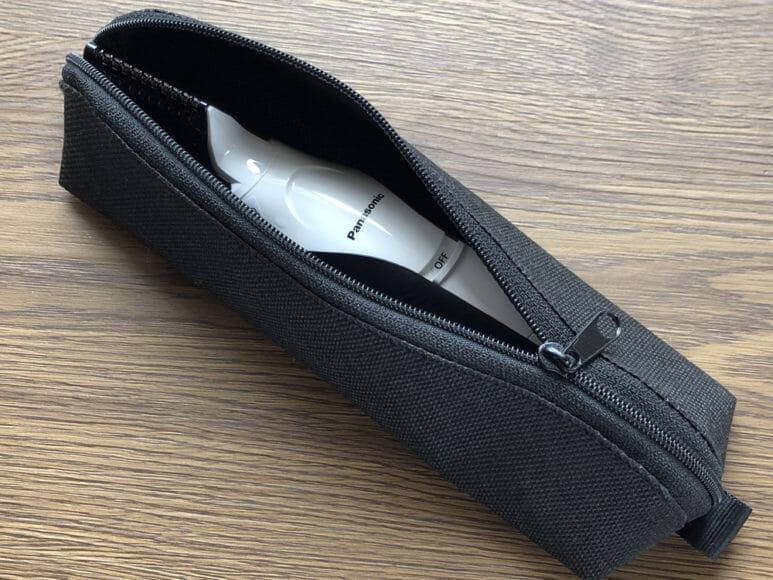 男のムダ毛処理におすすめのボディトリマーER-GK60レビュー|個人的には結構ポーチがツボ。さすが純正のジャストサイズが使い勝手いいんですよ。