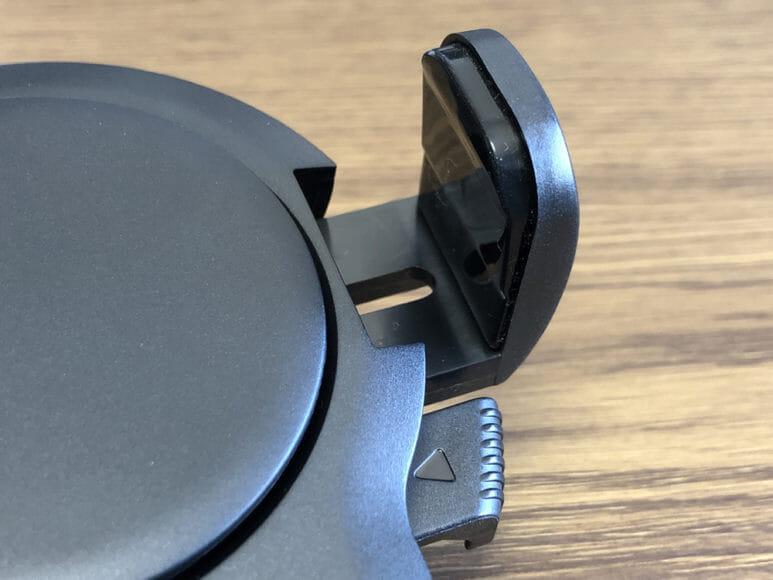 おすすめ車載スマホホルダー・スマートタップ「EasyOneTouch4 wireless」|サイドアーム・ボトムフットには肉厚なゴム製クッション素材が採用されています。