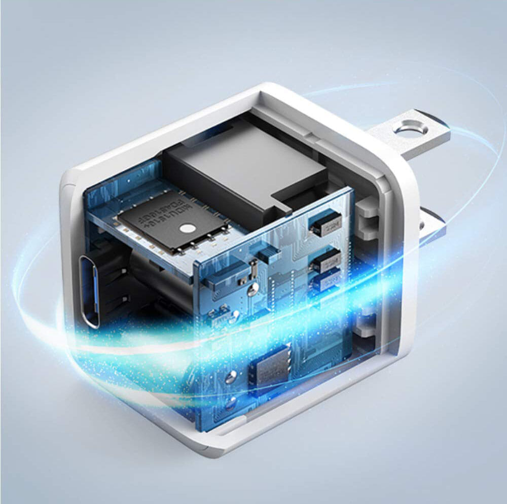 """【Anker PowerPort III Nanoレビュー】2.7cm角&30g超軽量小型ボディで携帯性抜群!""""サイズは子ども、パワーは大人""""を実現させたスマホ向けPD対応急速充電器 優れているポイント:確かな技術力と安全性"""