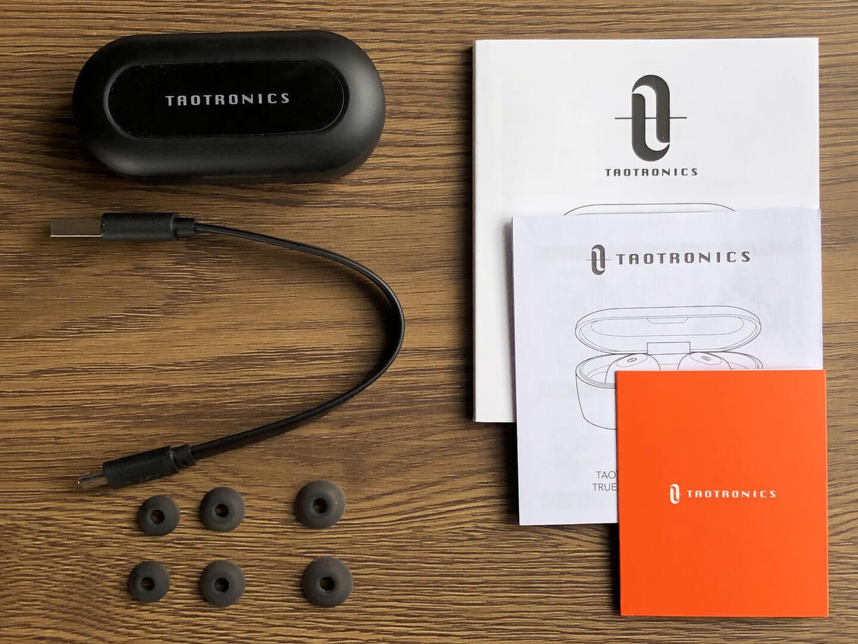 【TaoTronics SoundLiberty77(TT-BH077)レビュー】音の遅延ほぼゼロの超安定Bluetooth接続!完全防水&超小型も魅力のタオトロニクス・完全ワイヤレスイヤホン|付属品一覧