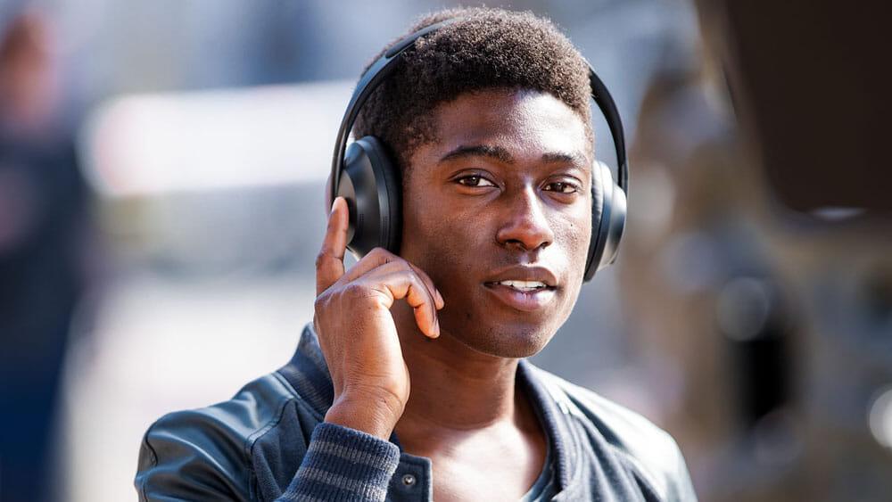 【BOSE NOISE CANCELLING HEADPHONES 700レビュー】ノイズキャンセリングヘッドホン史上最高の静寂!Bluetooth接続で極上の没入感を堪能しよう!|優れているポイント:想像を斜め上行く高精度タッチコントロール