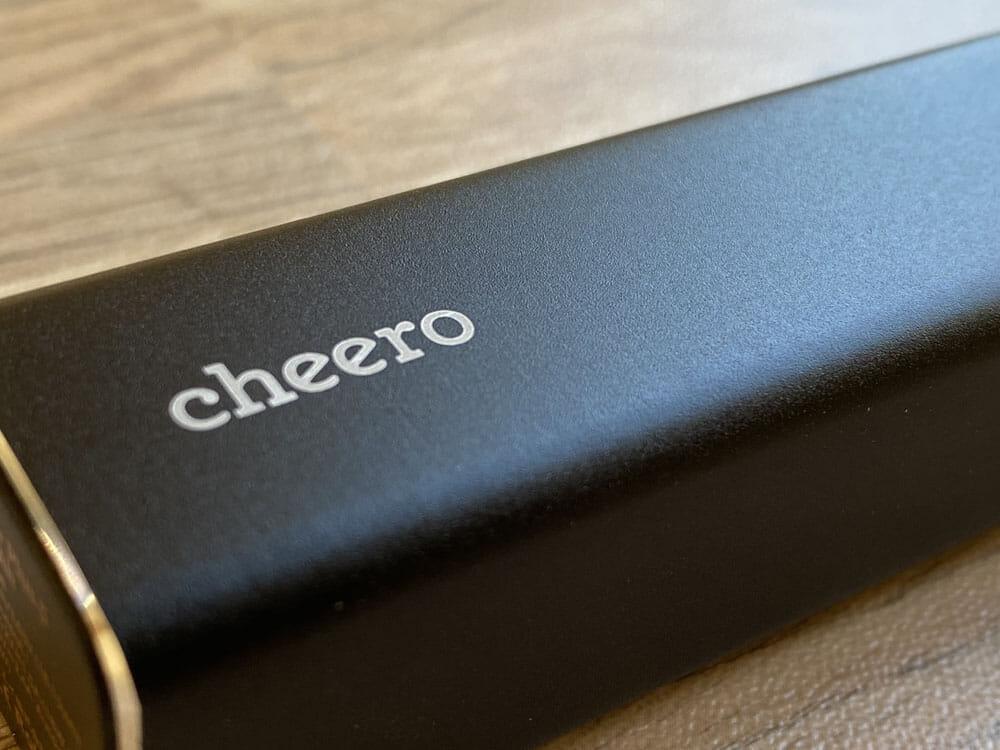 【Cheero Power Plus 5 Stickレビュー】わずか125gの超軽量小型!PD対応18W急速充電も可能で蓄電残量のデジタル表示が嬉しいUSB-Cモバイルバッテリー|外観:わずかにザラッとした本体表面がリッチな感じ。