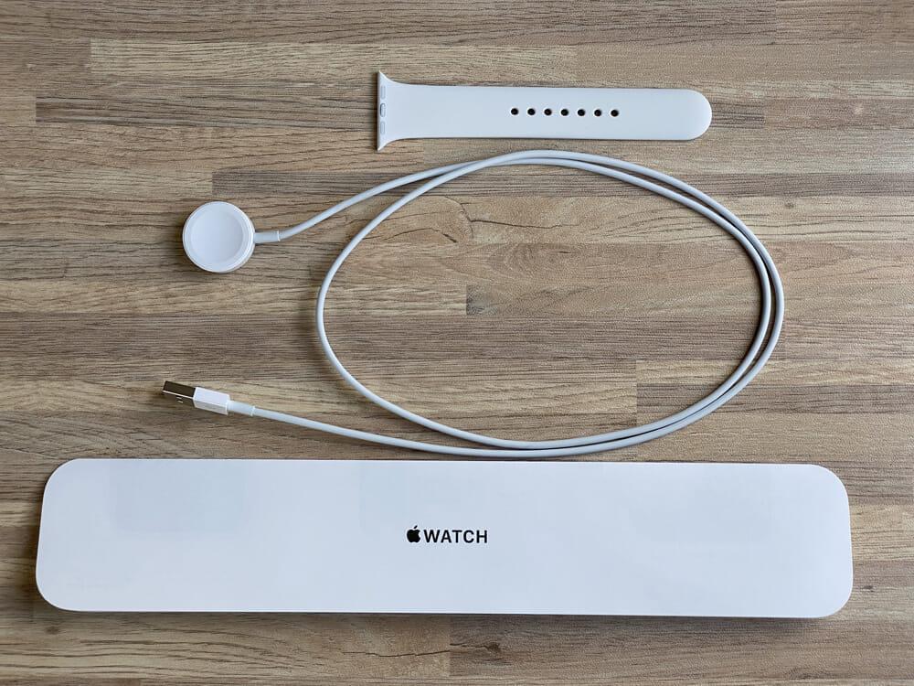 【アップルウォッチ シリーズ3レビュー】ワークアウト&ダイエット目的は旧モデル・アップルウォッチシリーズ3がおすすめ|アップルペイ・モバイルSuicaも便利|付属品