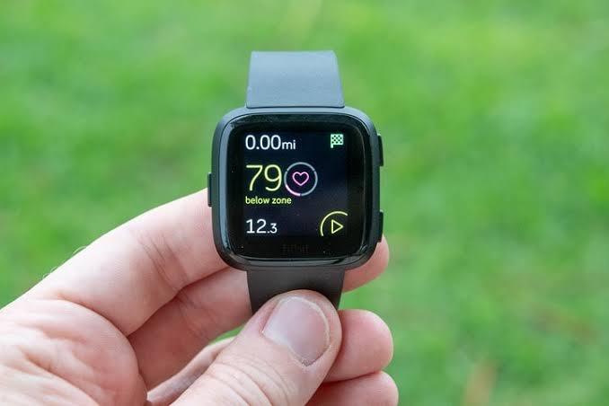 【2020年最新スポーツ向けスマートウォッチまとめ】筋トレ・ランニング・ダイエットに最適なおすすめスマートウォッチ|音楽再生・睡眠管理・ネット検索なども|スマートウォッチでできること:GPSを使ったペース・距離計測