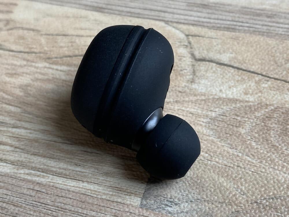 【ヤマハ 完全ワイヤレスイヤホンTW-E3Aレビュー】ヤマハ初の完全ワイヤレスイヤホン!iPhone&android対応で耳への負担軽減機能も搭載したエントリーモデル|外観:全体的にマットな質感で統一されたデザインは、落ち着きがあって上質感が漂っています。
