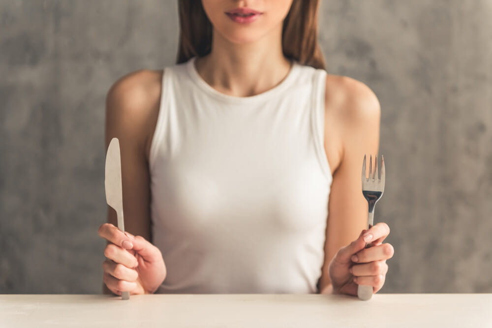 【🍖プロテインとは?】ダイエット効果大の「プロテイン」を飲むタイミングや副作用・デメリットなど一挙解説|そもそもタンパク質を補給する意味や必要性は?|プロテインの正しい摂取方法