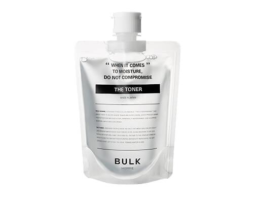 【バルクオム:洗顔・化粧水・乳液セットを使って分かった確かな品質】BULK HOMMEとは?500円で試せる男性に最適化されたスキンケア用品「バルクオム」|バルクオムのスキンケア用品:THE TONER(化粧水)