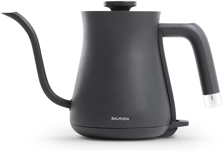 【コーヒー器具まとめ】コーヒーをハンドドリップする際に必要な器具は?本格的なハンドドリップコーヒーを自宅で淹れる際に揃えたいアイテムをご紹介|ハンドドリップに必要な器具:お湯を注ぐためのケトル
