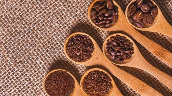 【コーヒー豆の挽き方】コーヒーの美味しさは豆の挽き方に左右される!自分好みのコーヒーを淹れるための豆の挽き方講座|コーヒーミルについても詳しく解説|豆を挽く方法・挽き具合
