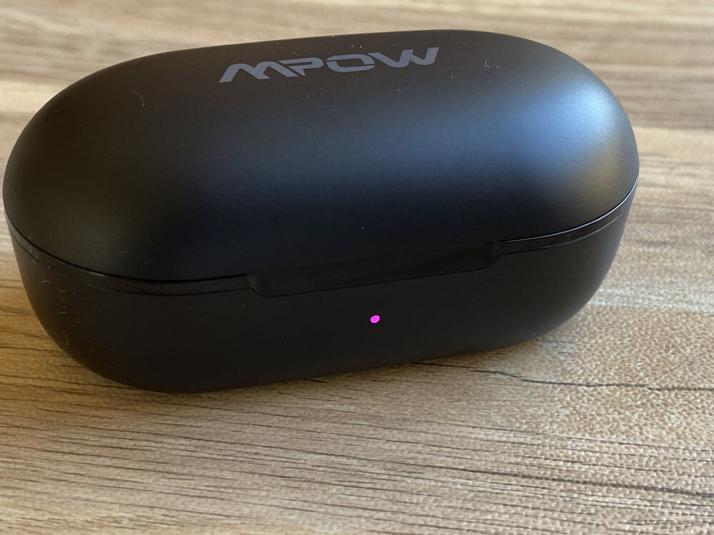 【Mpow M30レビュー】4千円未満の圧倒的コスパ感!!超安定接続・良好な装着安定性・満足な音質・完全防水と必要なスペック揃い踏みの超高コスパTWS|外観:35~74%なら「ピンク」