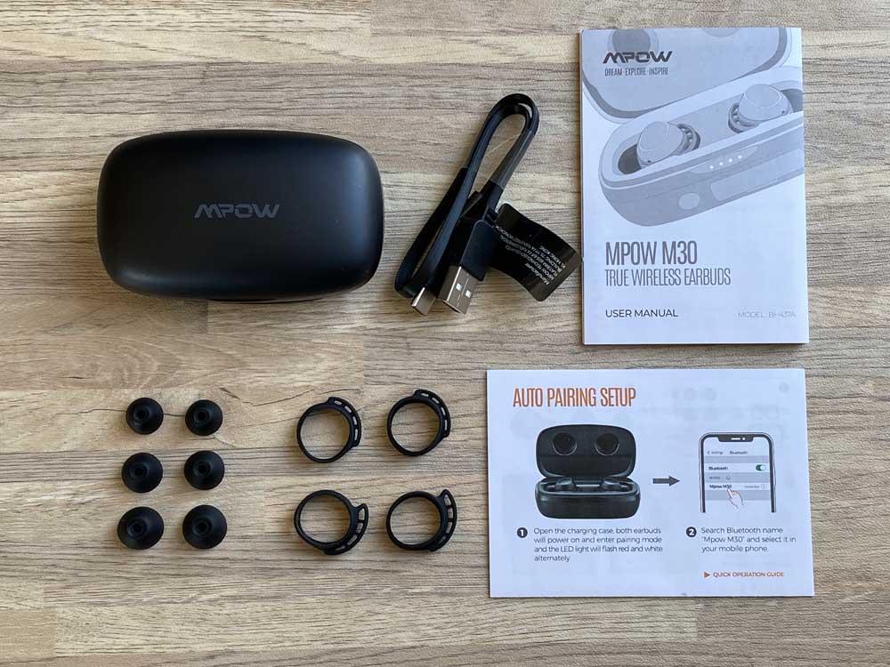 【Mpow M30 plusレビュー】ベストセラーモデルにバッテリー機能を追加!良好な装着感・音質をそのままにバッテリーとしても使える完全ワイヤレスイヤホン|付属品