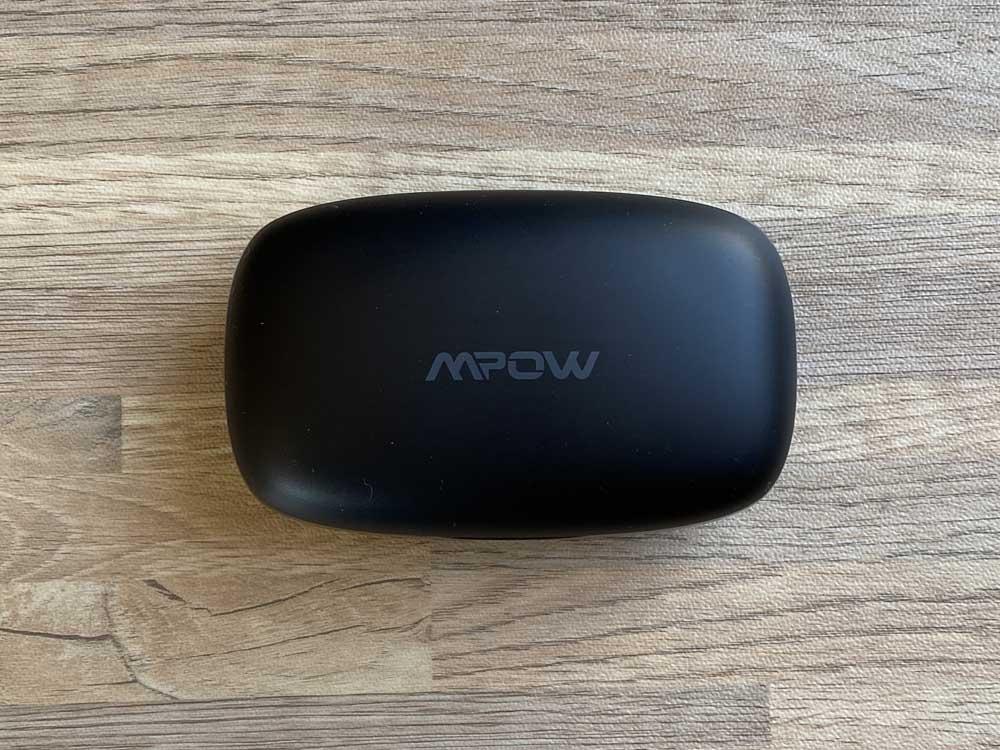 【Mpow M30 plusレビュー】ベストセラーモデルにバッテリー機能を追加!良好な装着感・音質をそのままにバッテリーとしても使える完全ワイヤレスイヤホン|外観: